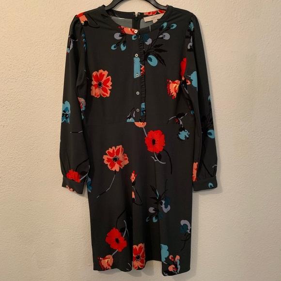LOFT Dresses & Skirts - Loft floral pattern long sleeve dress
